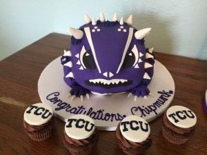 This even comes with TCU cupcakes. Though their mascot really doesn't look like this purple frog. More like a dinosaur.