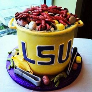 After all, though LSU's mascot is a tiger, Louisiana has a unique tradition with seafood. And this cake reflects that.