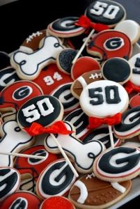 After all, their mascot's a bulldog. Wonder what occasion these cookies are for.