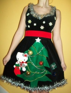 This one is edged with tinsel. Wonder if this is Hello Kitty since it sure looks like it.
