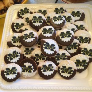 Each of them has the Michigan logo and 2 types of icing. Still, they look so tasty.