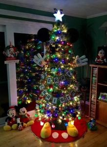 Okay, I'm no fan of Mickey Mouse. But I have to admit, this is a pretty clever way of decorating a Christmas tree.