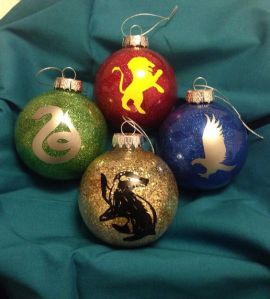Yes, they have baubles for Hogwarts houses, too. This one is a more simplified image than most.