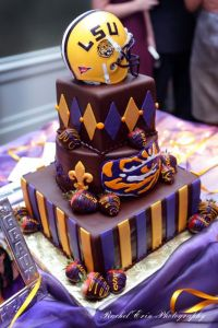 Then again, looking at this cake, you'd thin it is. But for all I know, it could be used for a wedding.
