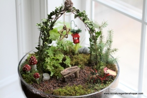 Well, this one uses a few non-traditional Christmas motifs like a mistletoe lantern and sled. Either way it gives a rustic impression.