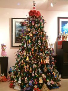 Guess the ornaments on this tree are nowhere near cheap. Since many seem like you'd find them in a catalog.