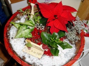 And yes, a pointsettia is included. Whether it's real or fake, I can't decide.