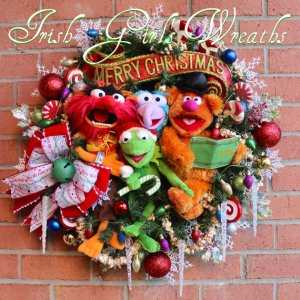 Well, it just has Kermit, Fozzie, Gonzo, and Animal. All in all, this is a nice wreath for any door.