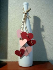 Each heart is pink and red while held to a string. All in all this is quite lovely.