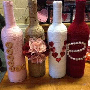 I'm always amazed by what people can do with old wine bottles around. Though I sometimes wonder why'd they have so many in the first place.