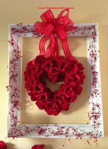 Doesn't hurt if the frame is decorated with berry branches. Still, the roses are beautiful.