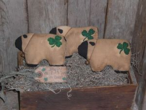 You can tell they're Irish because they have shamrocks on their butts. Okay, I was just kidding. Yet, these are quite original.