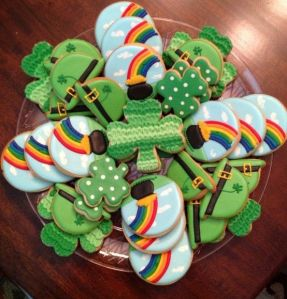 Includes shamrocks, rainbows, and leprechaun hats. Sure they may be professionally made. But they're so well done I had to include them.