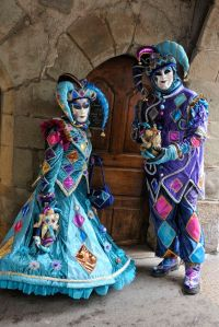 Like I said, there are a lot of jesters at the Venice Carnival. Though I think these two really stand out for me.