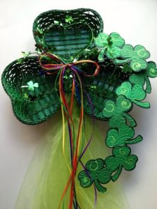 Even has shamrocks coming out of it, too. Love the rainbow bow.