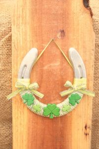 This one has only 3 shamrocks on it. But you also have to love the bows.