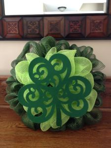 Yes, this is another decomesh wreath. But the shamrock is quite ornate that I just had to put it on this post.
