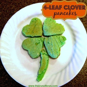Yes, I know green food is disgusting. But at least you'll be lucky to have a pancake 4-leaf clover.