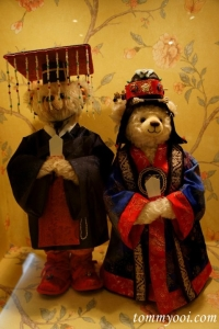 Well, they surely know how to dress. However, I like the guy bear's hat the best.