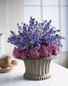 And since purple is my favorite color, I especially love it. Makes a great centerpiece.
