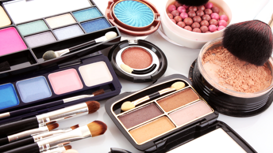 header_image_fustany-beauty-makeup-2015_best_seller_makeup-main_image