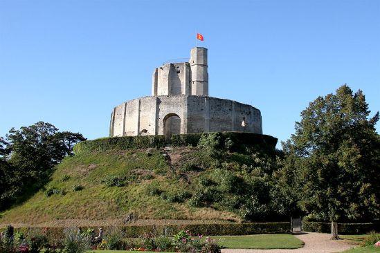 1024px-Chateau-de-Gisors