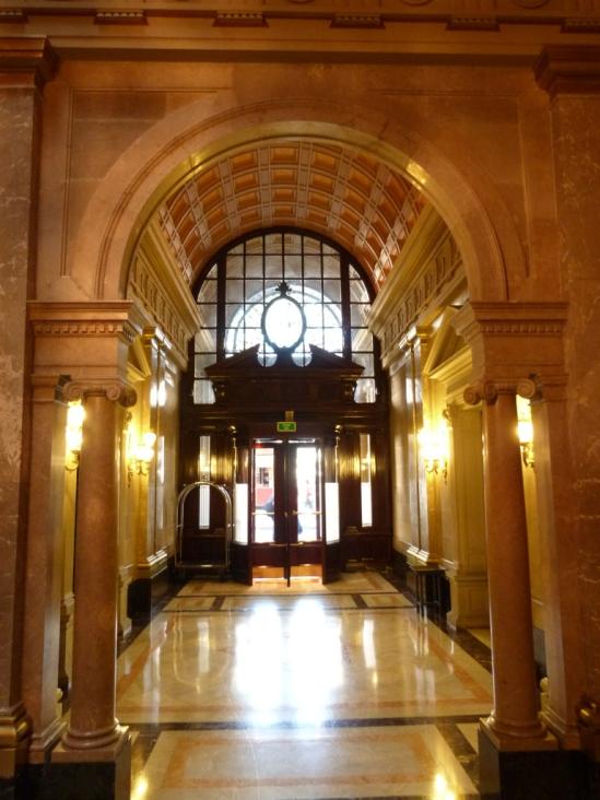6c-1898-lobby-grandeur