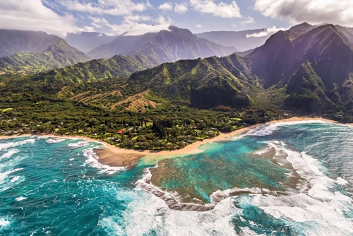 the-island-of-kauai-was-where-many-scenes-from-jurassic-park-were-shot-_2078_40074915_0_14117254_500