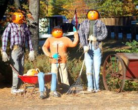 scarecrows-raking-leaves-56a583925f9b58b7d0dd3f49