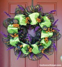 Deco-Mesh-Halloween-Wreath