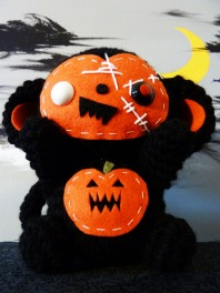 halloween_monkey_amigurumi_by_cuteamigurumi-d4c1ixz