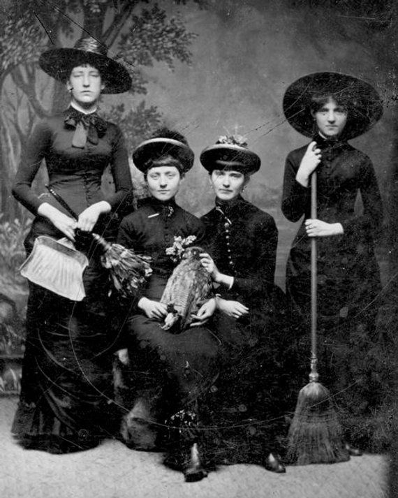 Vintage Halloween Costume Pictures.The Dark Scary World Of Vintage Halloween Costumes Fourth Edition