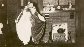 scary-vintage-halloween-creepy-costumes-67-57f7513981e5b__605