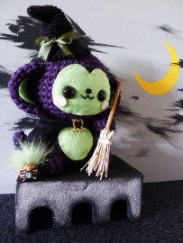 witch-monkey-amigurumi-24