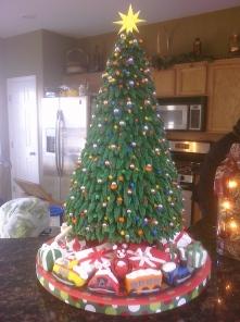 900_727882TABD_christmas-tree-cake