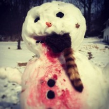 16-creepy-horror-snowmen-that-will-take-winter-to-the-next-level-01-1