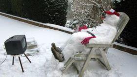 _65483420_snowmans_farewell