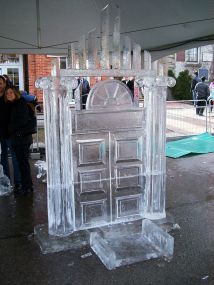 Ice_sculpture_(93376436)