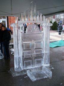 Ice_sculpture_(93376436)