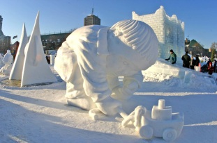 Snow_sculpture