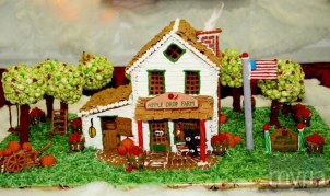 Festival-of-Trees-Christmas-Gingerbread-Farm-House