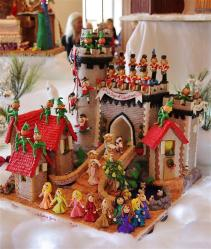 GingerbreadhouseGrovepark2012057_New