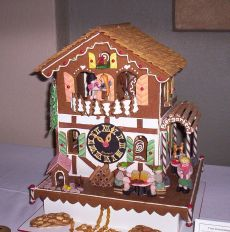 Gingerbread_house_with_clock