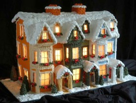 lighted-gingerbread-house_blog131213