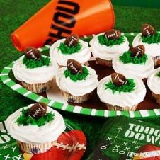 2015 super bowl football cream cupcake snacks for valentine - football cupcake valentine party ideas-t44901