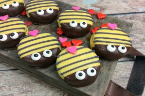 bumblebee-mine-valentines-day-cookies-1