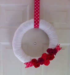 cheap-diy-valentines-day-wreath