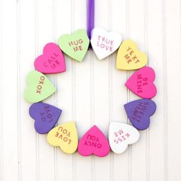 sweetest-valentine-s-day-wreath-ever-crafts-seasonal-holiday-decor-valentines-day-ideas
