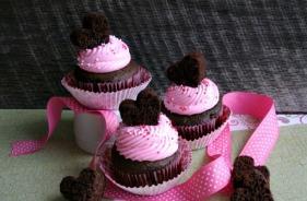 valentine-cupcakes_14205135061