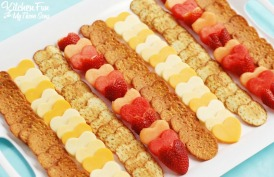 valentines-day-fruit-and-cheese-heart-platter-3